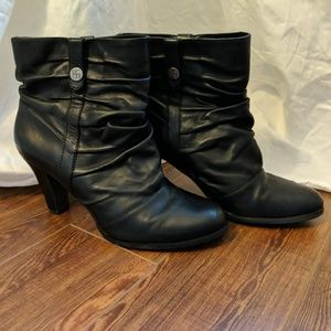 [BCBG Paris] Black Leather Slouch Booties